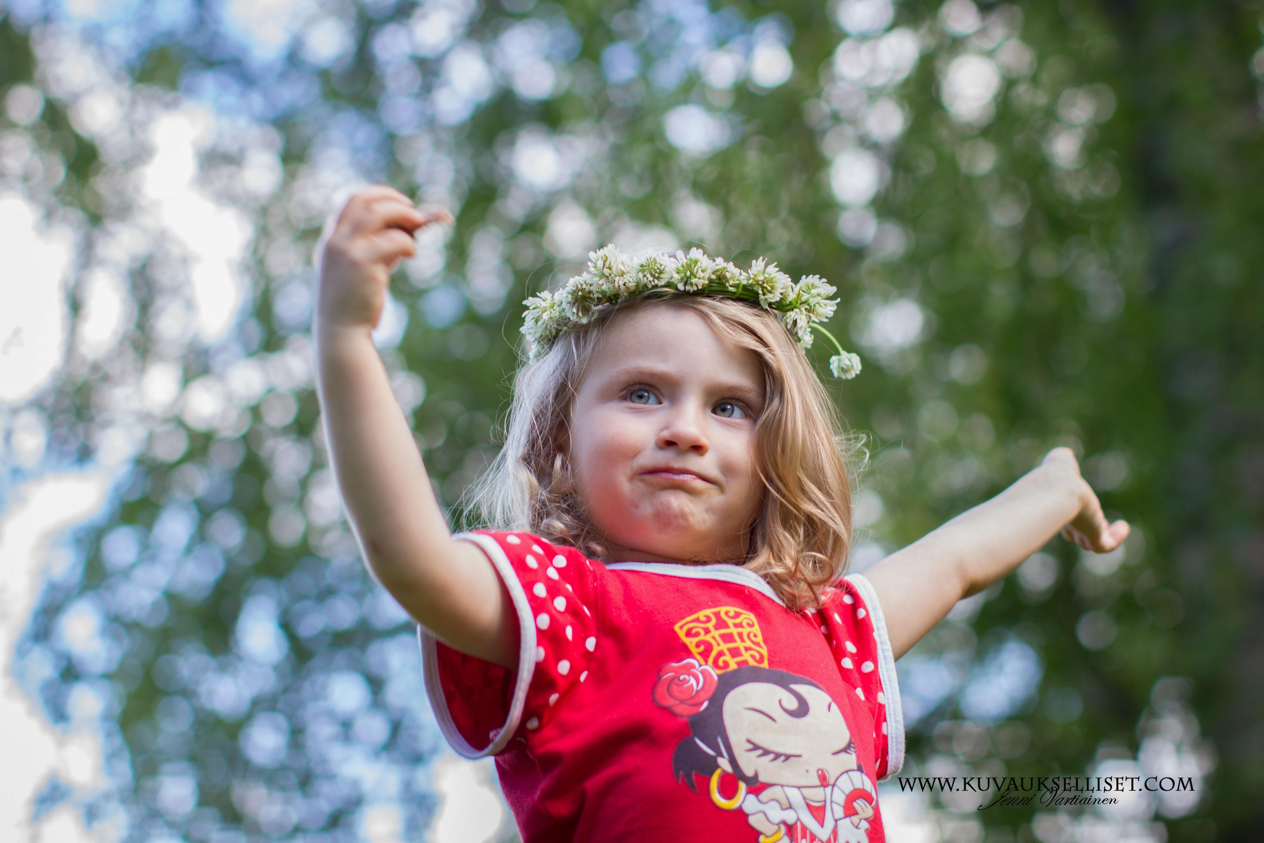 2014.7.30 lapsikuvaus miljöökuvaus sisaruskuvaus perhekuvaus child photo (1 of 1)