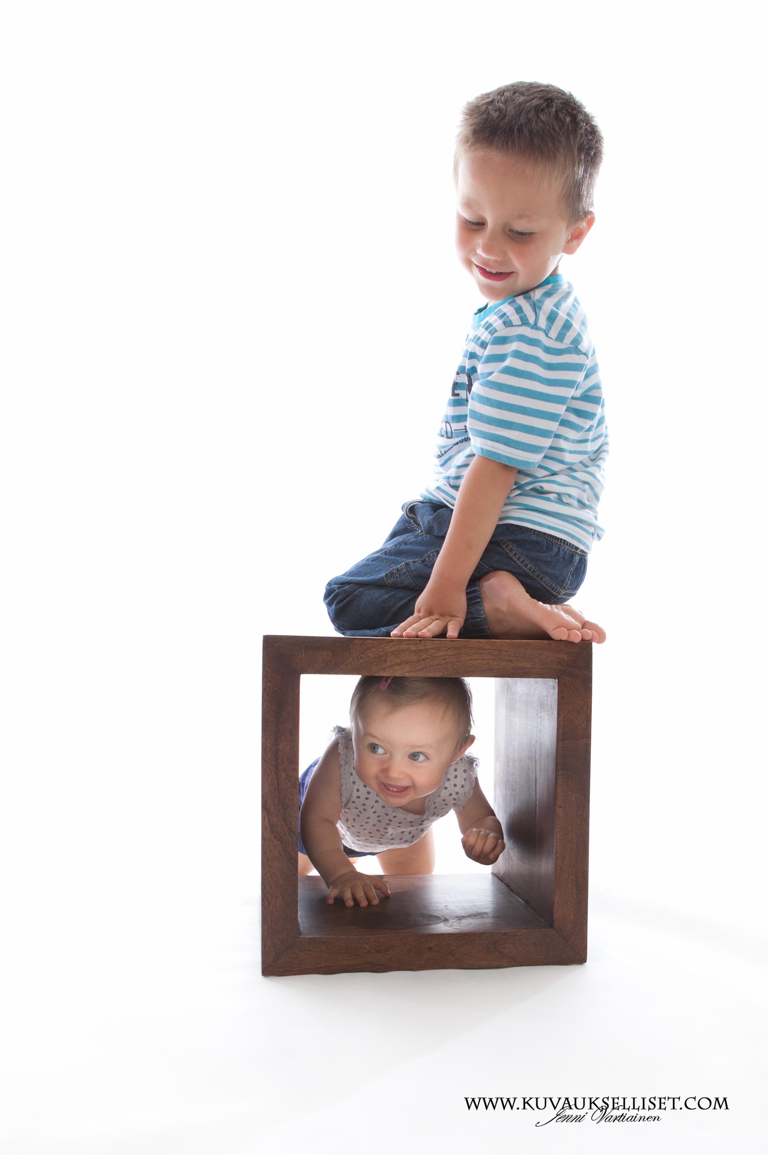 2014.8.13 lapsikuvaus miljöökuvaus perhekuvaus 1-vuotiskuvaus family pictures child photo(3 of 6)