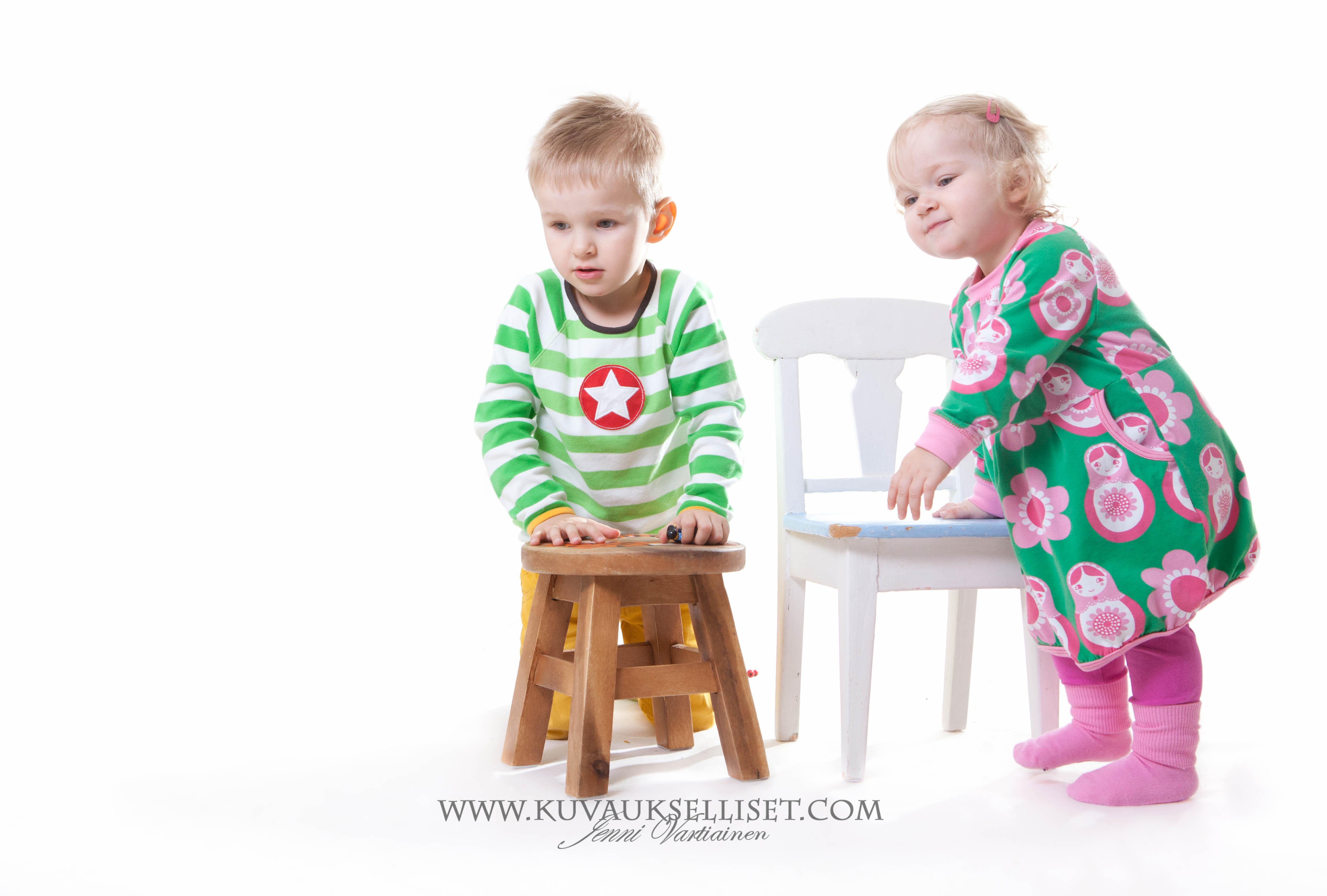 2014.10.19 Perhekuvaus lapsikuvaus studiokuvaus sisaruskuvaus 1-vuotiskuvaus muotokuva-7