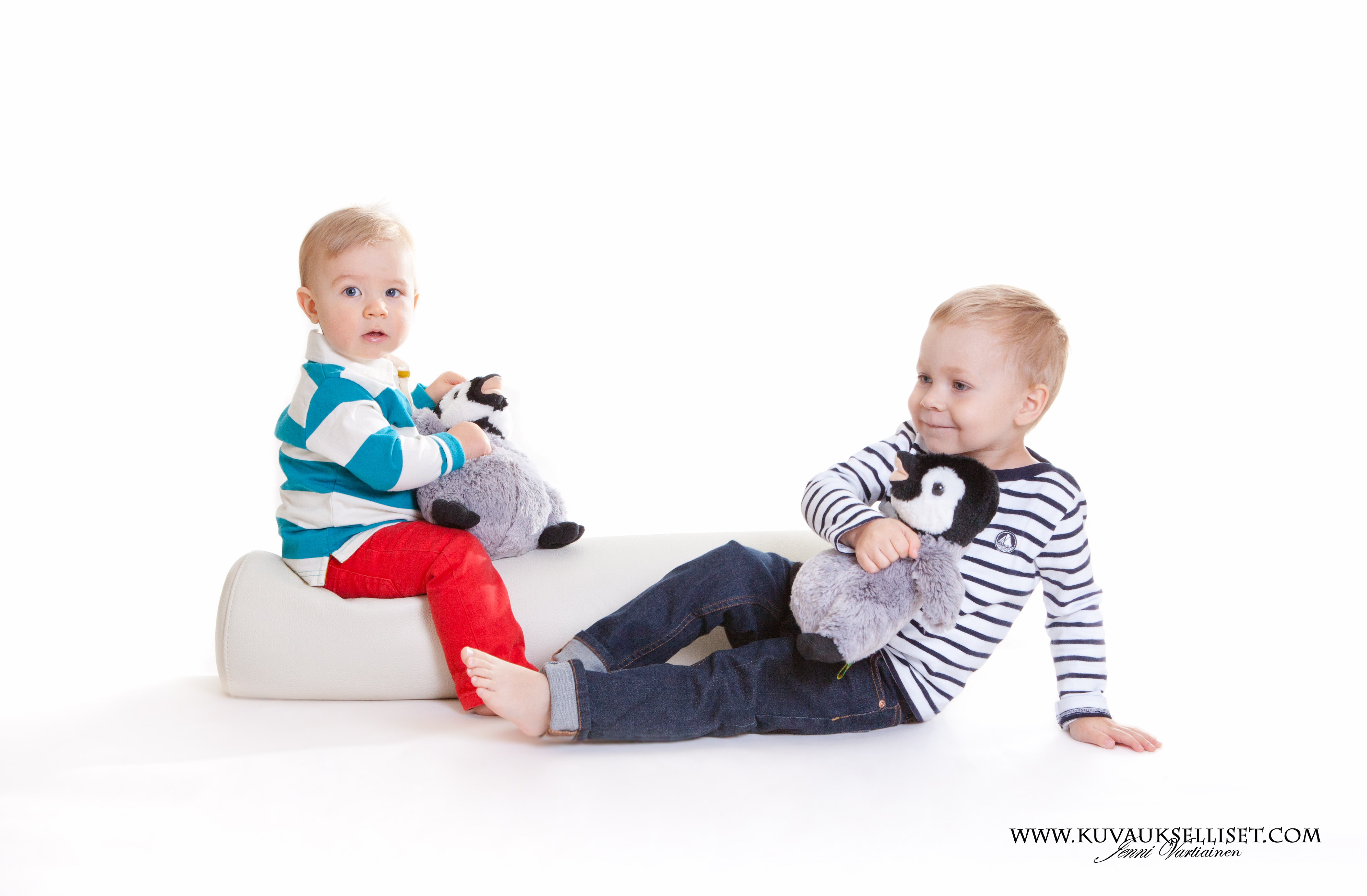2014.10.6 lapsikuvaus miljöökuvaus perhekuvaus sisaruskuvaus family pictures päiväkotikuvaus